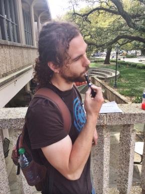 E-cigarettes gain steam as a tobacco-free smokingalternative